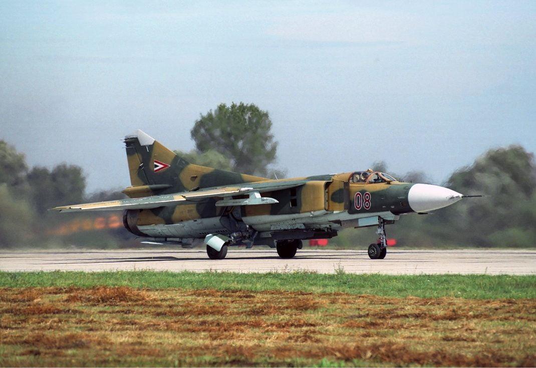 mig-23 savaş uçağı sovyet